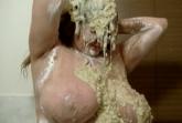 Die Messy Schlampe mit den dicken Titten