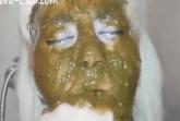 Scheisse fressende Blondine