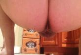 Fette Fotze bei perversen Kaviar Spielen