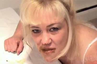 Porno mit Kot mit geilem Milf Kaviar